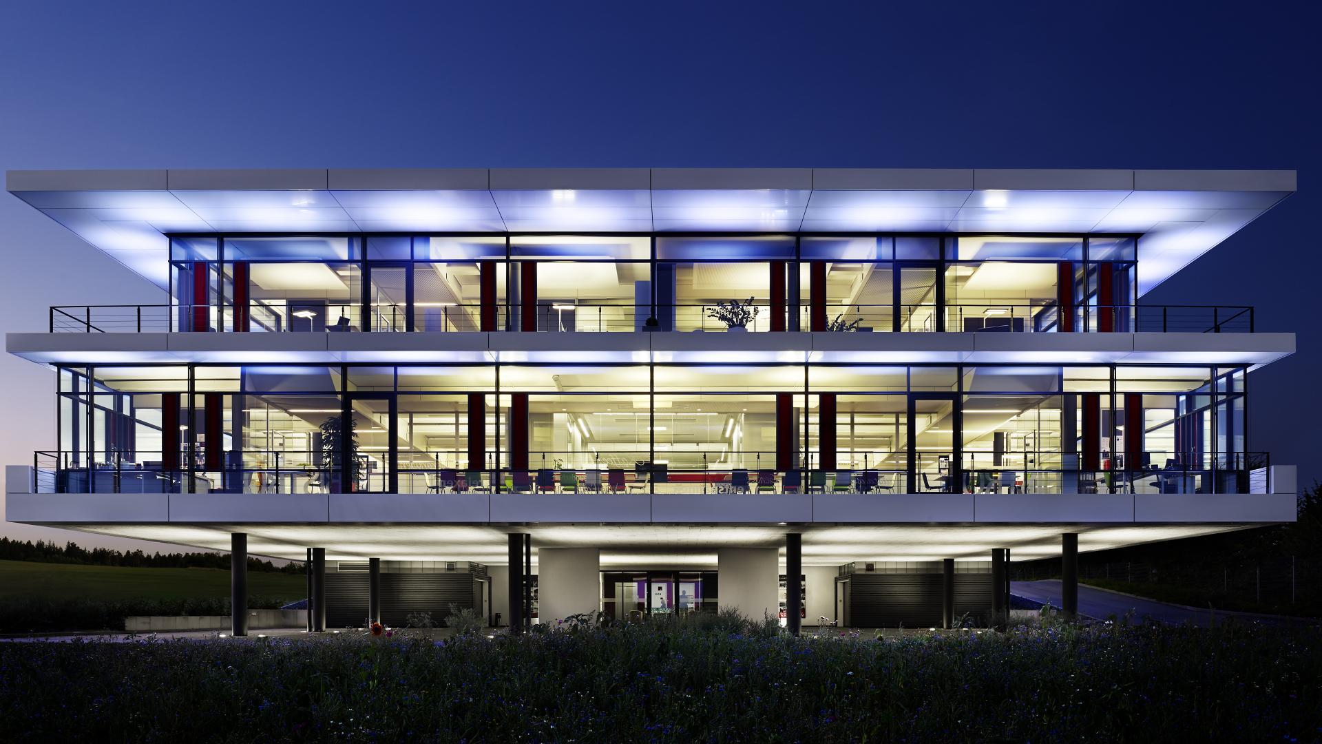 Schnepf Gruppe Verwaltungsgebäude Bau von SCHMELZLE+PARTNER