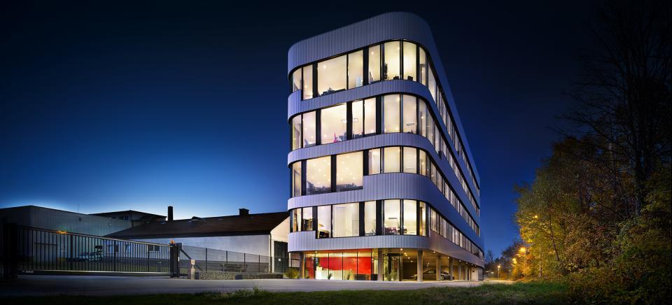 Oest Gruppe Laborgebäude und Verwaltung
