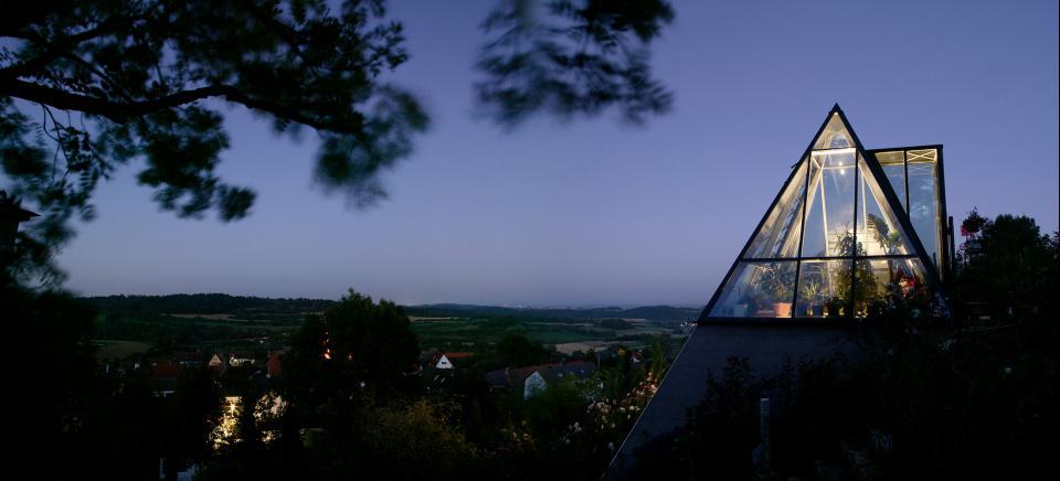 Familie Mezger Glaspyramide im Bürgle-Park